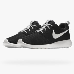 NEW! Custom made NikeiD Men's Roshe one Shoes!